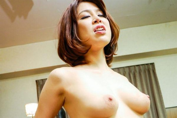Sex with hot japanese milf erika nishino